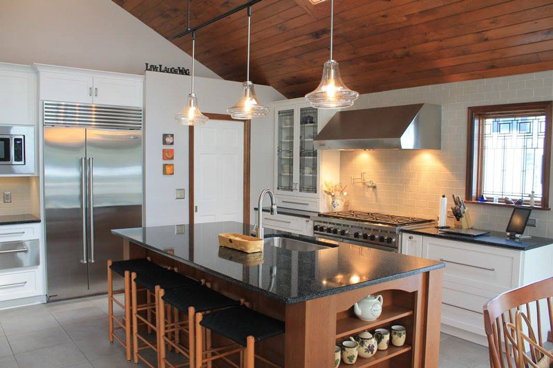 Kitchen Island With Dark Counter Top
